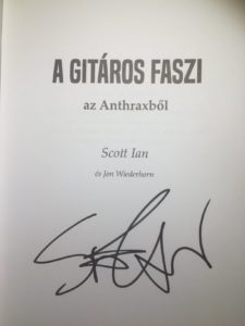scott ian dedikált könyv
